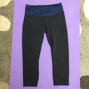 Lululemon wunder under crop legging size 6